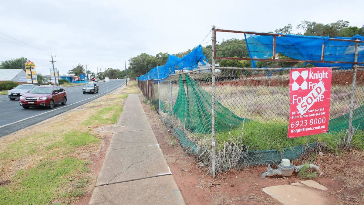 The abandoned lot on Lake Albert Road has been approved for development into a veterinary hospital. Picture: Les Smith