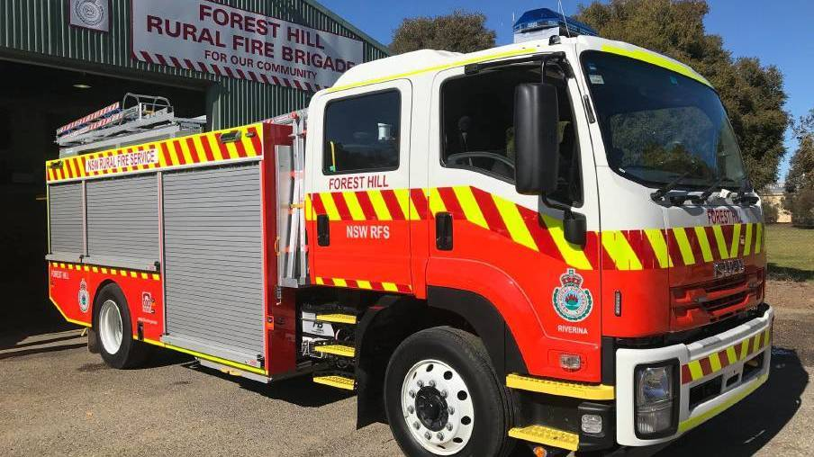Grass fire restricts traffic on Sturt Highway